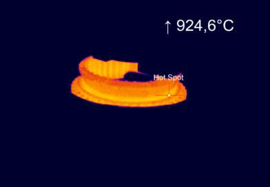 Hot compact IR camera for molten metals
